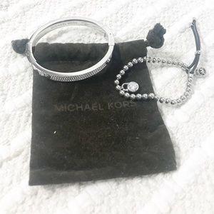 MICHAEL KORS Silver Pave' Cuff Bracelet Set